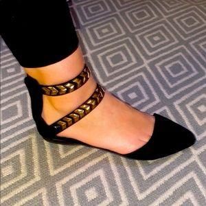 F21 Blk Flats with Gold Detail